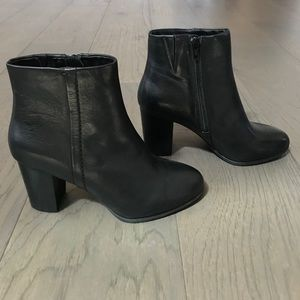 Vionic Kennedy Ankle Boot